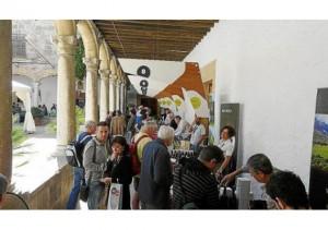 Fira-del-Vi-Pollença-2013-Degustación-en-el-claustro-570x400