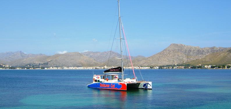 excursion robinson catamaran nofrills excursions (5)